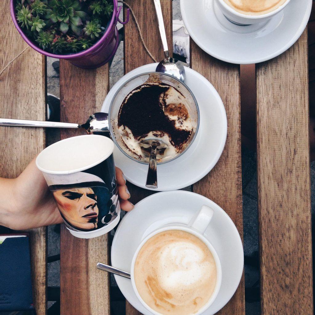 kozmos cafe bomonti