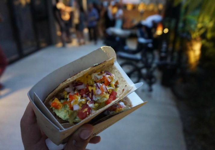 sokaklardaki-gurme-lezzetler-ve-en-iyi-yemek-kamyonlari-8